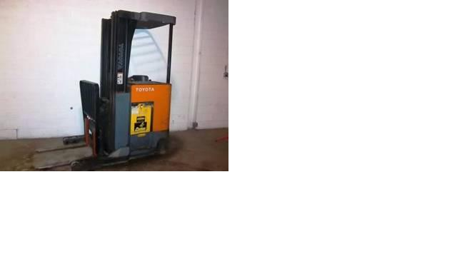 Toyota Reach Forklift Electric 2001