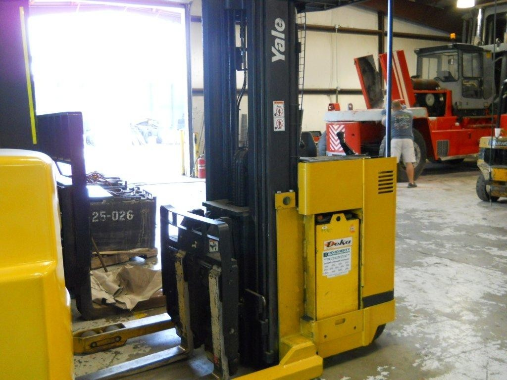 Yale NDR030 Double Reach Forklift 1999
