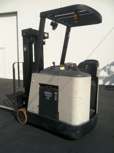 Crown RC3020-30 Counter Balance End Control Forklift 2004