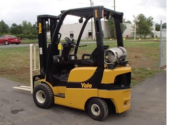Yale GLP030VX Propane Forklift 2008 Triple Mast Pneumatic