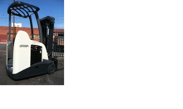 Crown RC5535-30 Stand up counterbalanced forklift 2008