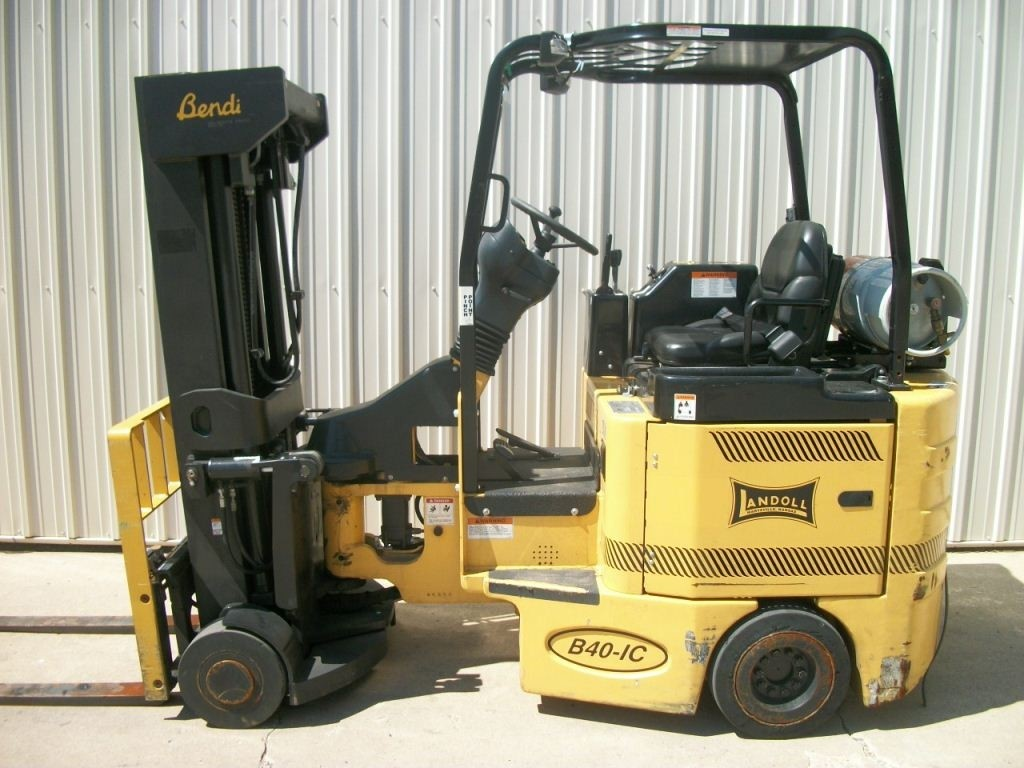 Bendi B40/48IC-180D Very Narrow Aisle Forklift 2007 LPG Quad Mast