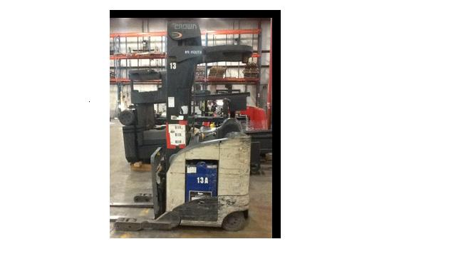 Crown RR5225-35 Electric Reach Forklift 2007