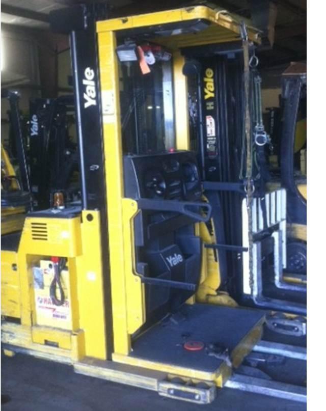 Yale OSO30 24 Volt Electric Order Picker Forklift 2008