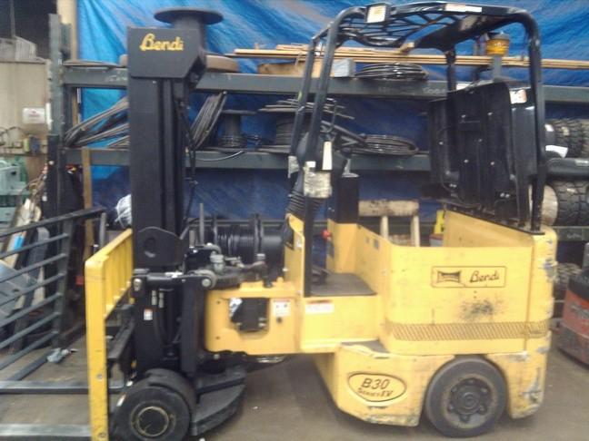 Bendi B30/42E-180D Very Narrow Aisle Electric Forklift 2007
