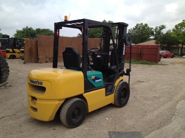 Komatsu FD30T12 3 Ton 6000lb Pneumatic Diesel Forklift 2005