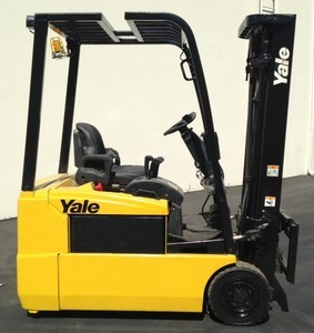 Yale ERP035 3-Wheel Electric Sit Down Rider 3500lb Forklift 2005