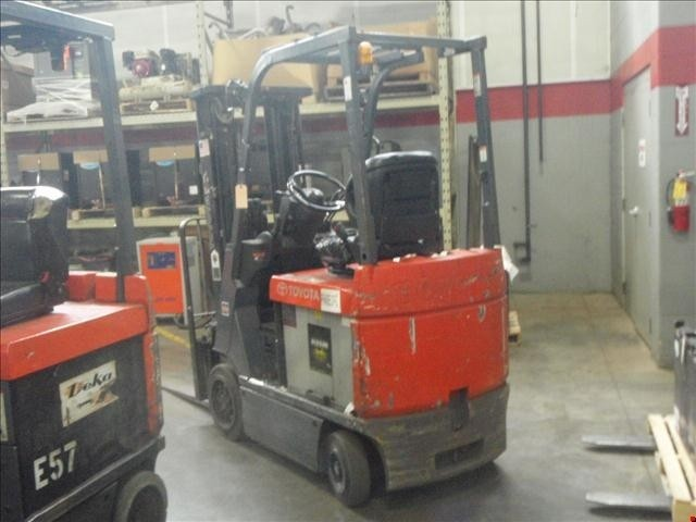 Toyota 7FBCU15 Electric 3000lb 4 Wheel Sit Down Rider Forklift 2005