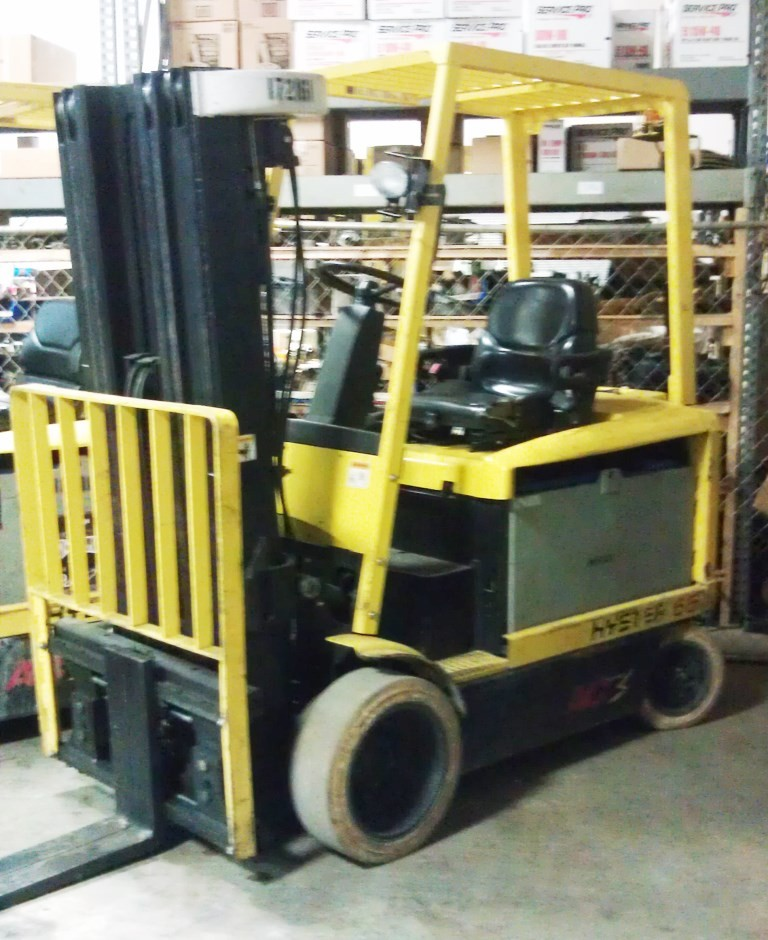 Hyster E65Z 6500lb Electric Sit Down Rider Forklift With Quad Mast 2006
