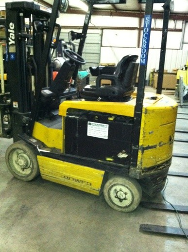 Yale ERC050 Electric Sit Down Rider 5000lb Forklift 2007