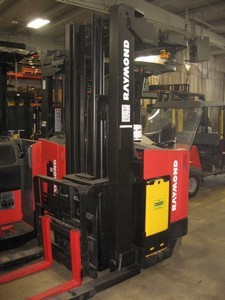 Raymond EasiDR25TT Electric Double Reach Forklift 2001