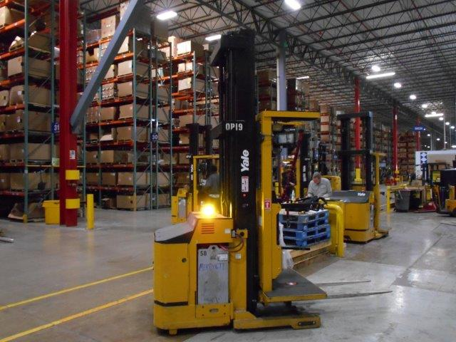 Yale OS030BEN36TE131 Electric Order Picker Forklift With Wire Guidance System 2007