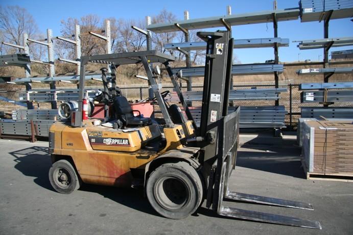 Caterpillar GP40 Pneumatic Tire 9000lb 4.5 Ton Propane Forklift 1998