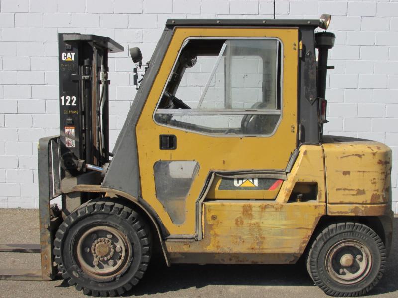 Caterpillar Forklifts DP40K 4.5 Ton Diesel Pneumatic Forklift 2007