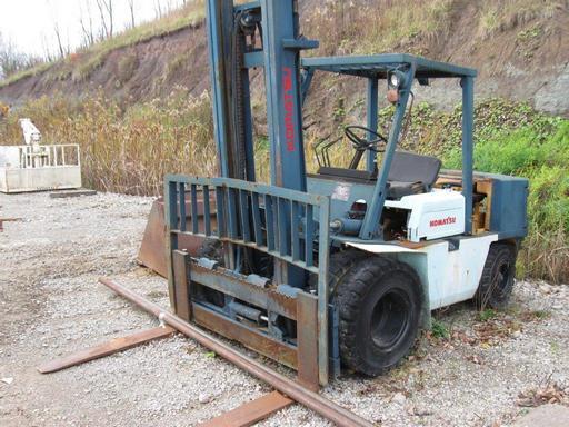 Komatsu Forklifts FD40 4.5 Ton Pneumatic Tire 9000lb Diesel Forklift 1996