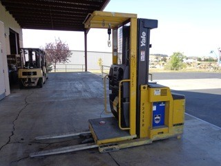 Yale Forklifts OS030 3000lb Electric Order Picker Forklift 2007