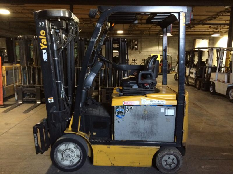 Yale Forklifts ERC050 5000lb Sit Down Rider Electric Forklift Quad Mast 2010