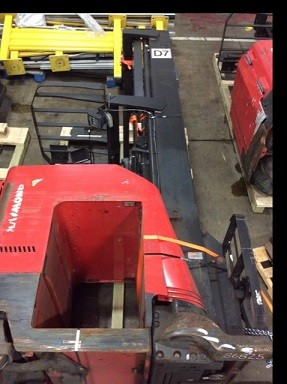 Raymond Forklifts 740DR32TT Electric Stand Up Rider 3200lb Double Reach Forklift 2010