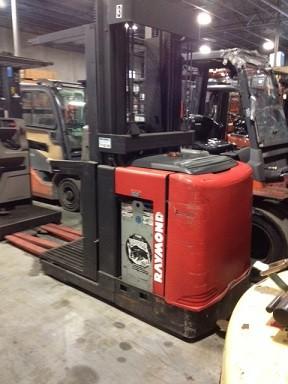 Raymond Forklifts EasiOPC30TT 3000lb Electric Order Picker Forklift 2000