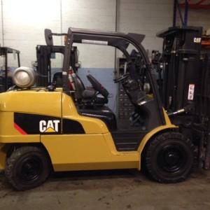 Caterpillar Forklifts P12000 6 Ton 12,000lb Pneumatic Tire Diesel Forklift 2010