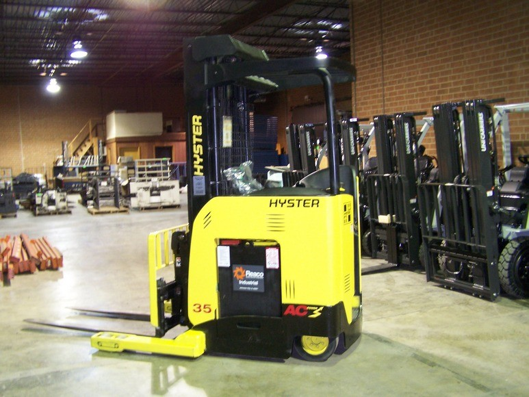 Hyster Forklifts N35ZDR 3500lb Electric Rider Double Reach Forklift 2009