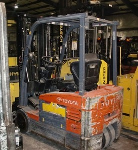 Toyota Forklifts 7FBEU15 3-Wheel Electric Sit Down Rider 3000lb Forklift 2006