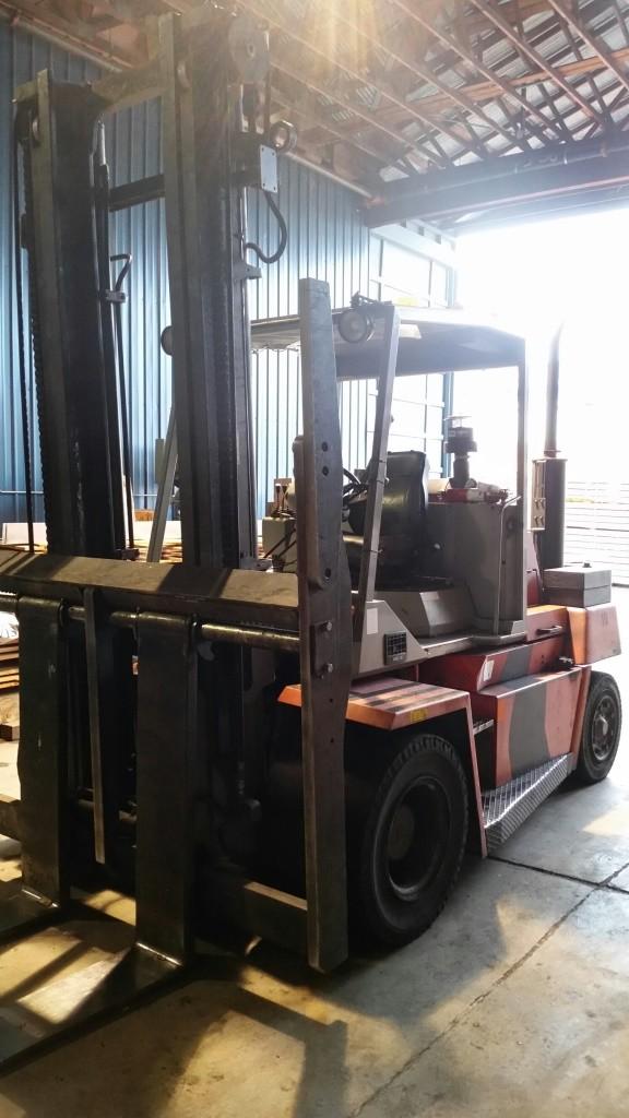 Kalmar Forklifts DCD 70-6 7.5 Ton 15,500lbs Pneumatic Tire Diesel Forklift 2003