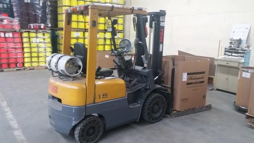 TCM Forklifts FG15N18T Pneumatic Tire 3000lb Propane Forklift 1998