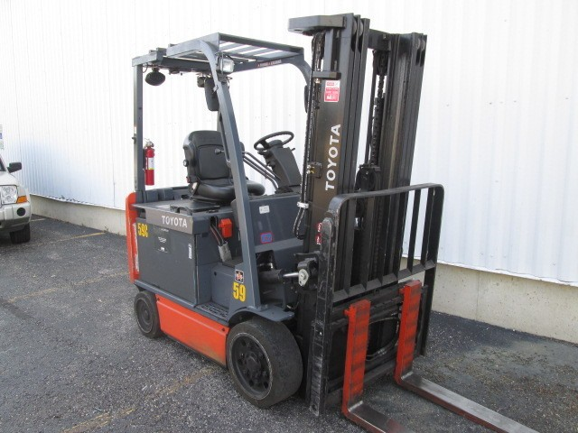 Toyota Forklifts 8FBCU30 Electric Sit Down Rider 6000lb Forklift 2011