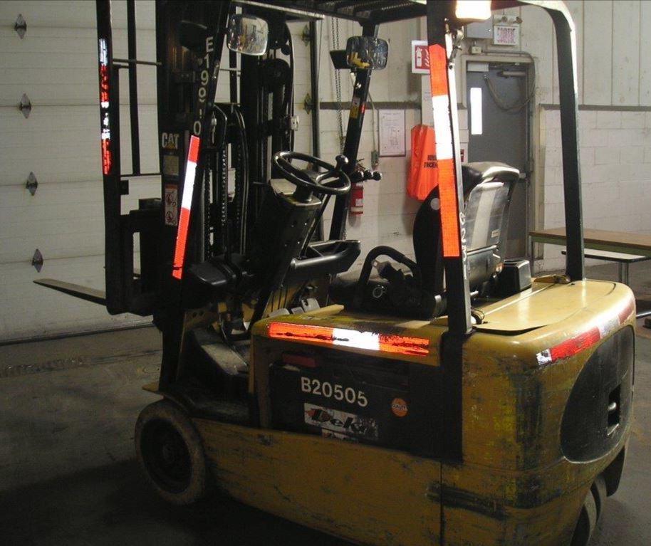 Caterpillar Forklifts EP20KT 3-Wheel Sit Down Rider 4000lb Electric Forklift 2006