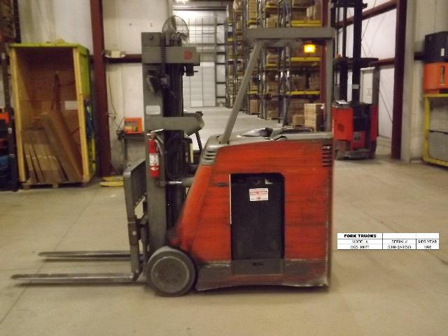 Raymond Forklifts DSS30TT Electric Stand Up Rider 3000lb Counter Balance Forklift 2002