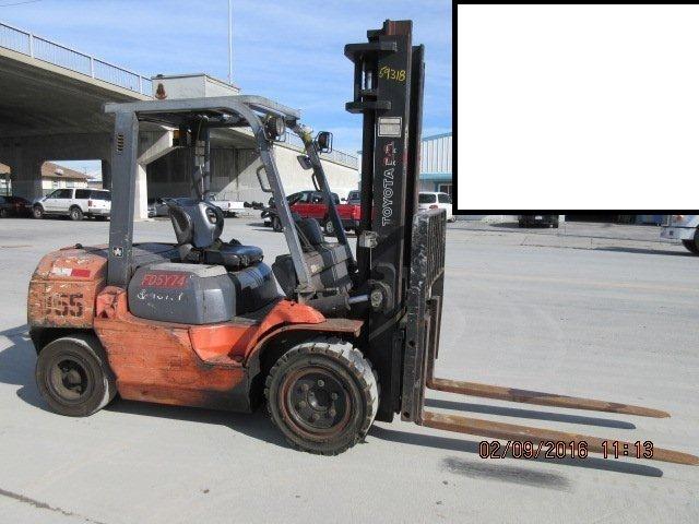 Toyota Forklifts 7FDU35 4 Ton Pneumatic Tire 8000lb Diesel Forklift 2006