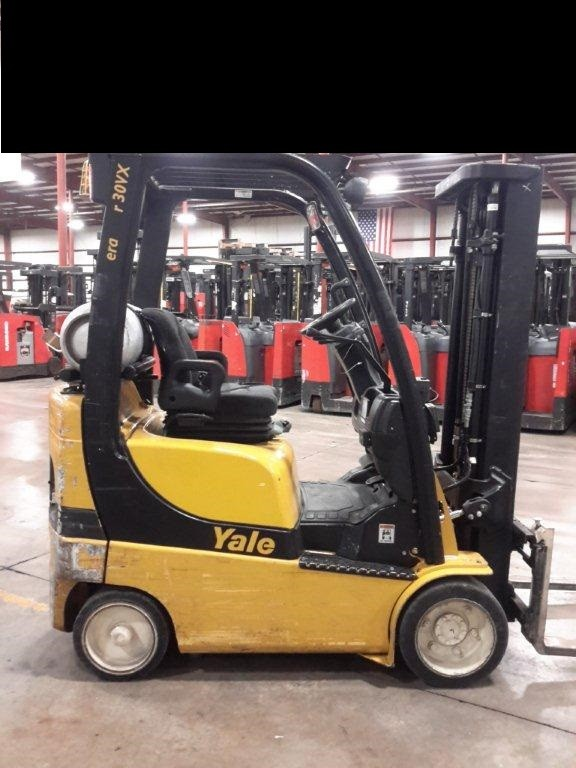 Yale Forklifts GLC030 3000lb Cushion Solid Tire Propane Forklift 2010