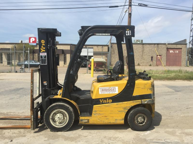 Yale Forklifts GLP050VXN 5000lb Pneumatic Tire Propane Forklift 2012