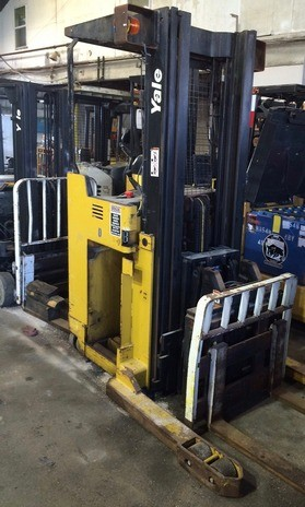 Yale Forklifts NDR030 Electric 3000lb Stand Up Rider Double Reach Forklift 2000
