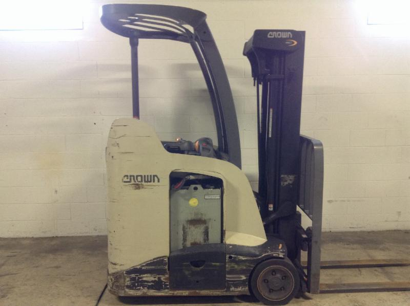 Crown Forklifts RC5525-30 Stand Up Rider 3000lb Counter Balance Forklift 2011