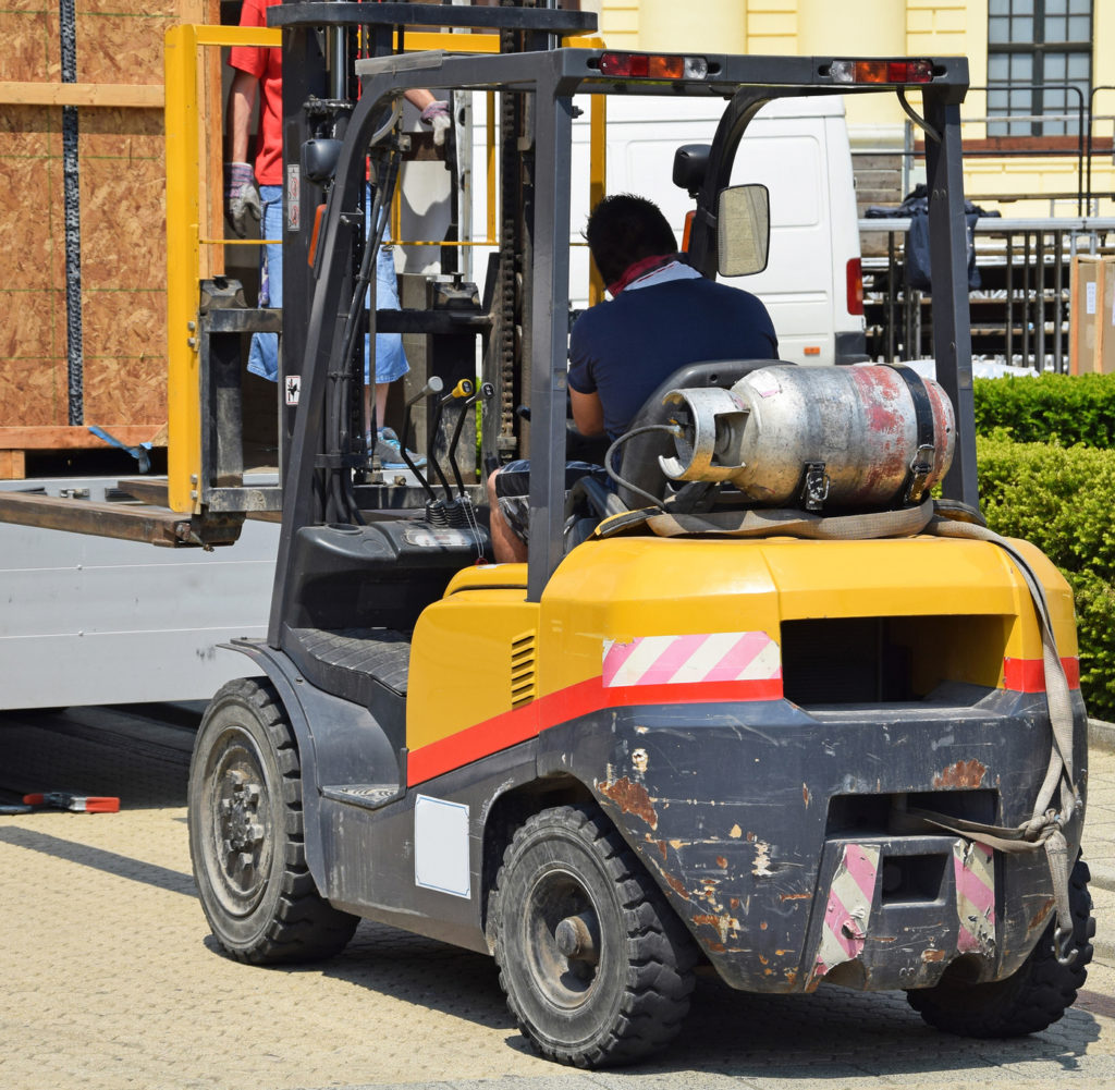 4 Best Practices for Operating a Forklift Outdoors