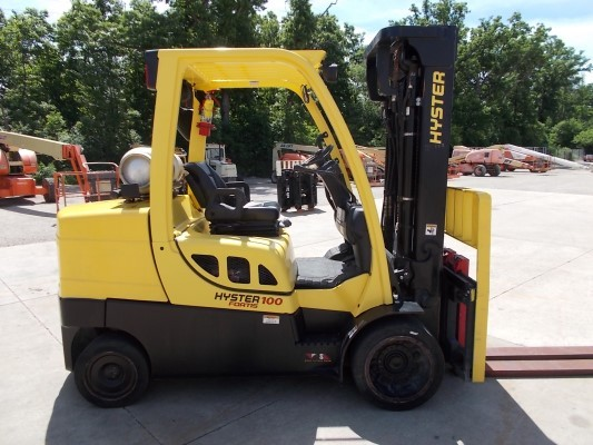 Hyster Forklifts S100FT 10,000lb Solid Cushion Tire Propane Forklift 2012