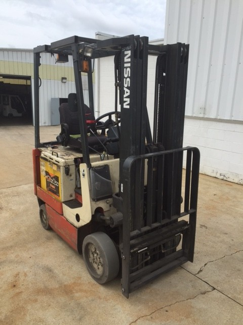 Nissan Forklifts CSP01L15S Electric 3000lb Sit Down Rider 4 Wheel Forklift 2004
