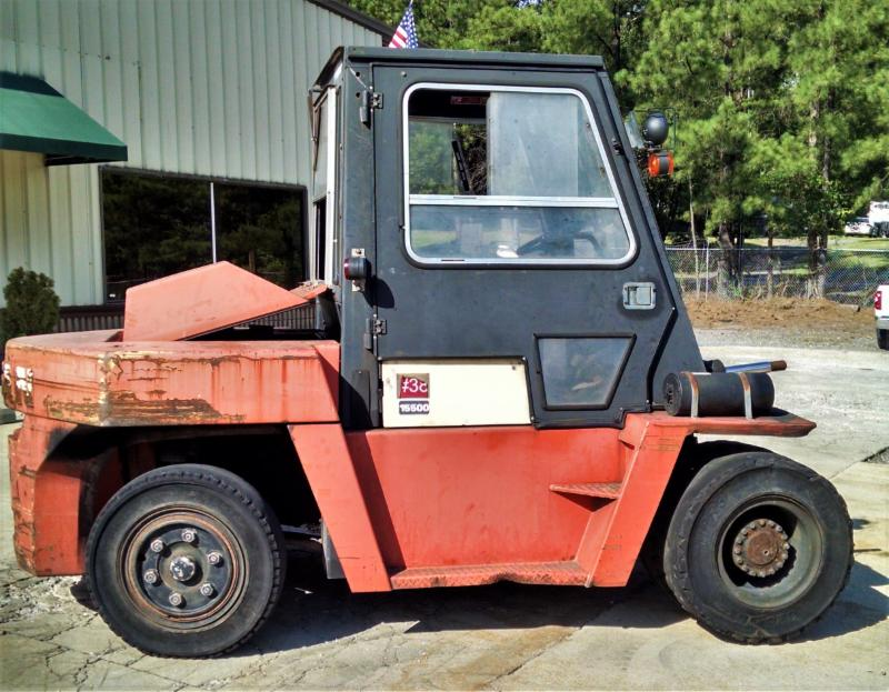 Nissan Forklifts PD155 7.5 Ton 15,500lb Pneumatic Tire Diesel Forklift 2003