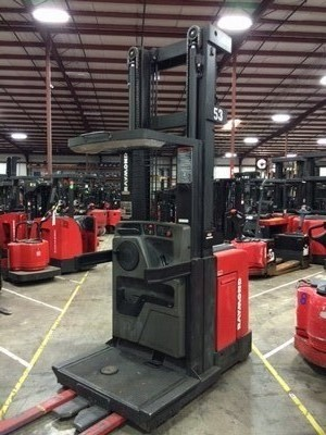 Raymond Forklifts EasiOPC30TT 3000lb Electric Stand Up Rider Order Picker Forklift 2005