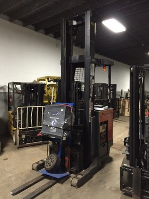 Toyota Forklifts 7BDRU15 3000lb Electric Stand Up Rider Double Reach Forklift 2005