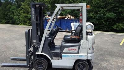 Nissan Forklifts AF30LP 3000lb Pneumatic Tire Propane Forklift 2013