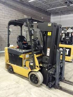 Caterpillar Forklifts E6000 Electric 4 Wheel Sit Down Rider 6000lb Quad Mast Forklift 2011