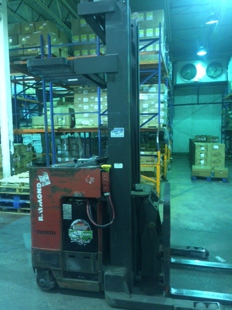 Raymond Forklifts Easi DR25TT Electric Stand Up Rider 2500lb Double Reach Forklift 2009