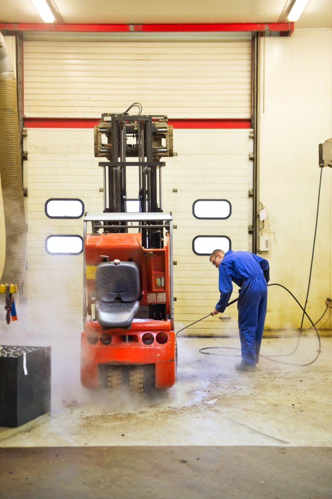 3 Tips to Properly Clean Your Forklift