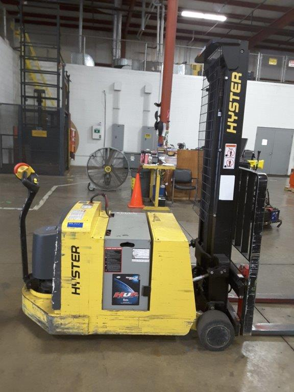 Hyster Forklifts W25ZC Electric Walk Behind 2500lb Counterbalanced Stacker Truck 2011