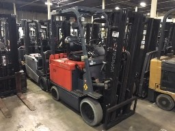 Toyota Forklifts 7FBCHU25 EE Rated 5000lb Electric Sit Down Rider 4 Wheel Forklift 2009