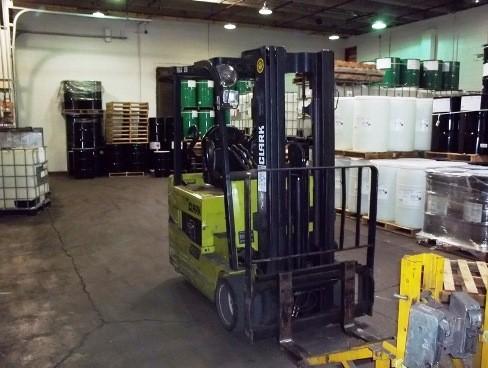 Clark Forklifts TMX25 3-Wheel Electric 5000lb Sit Down Rider EE RatedForklift 2010