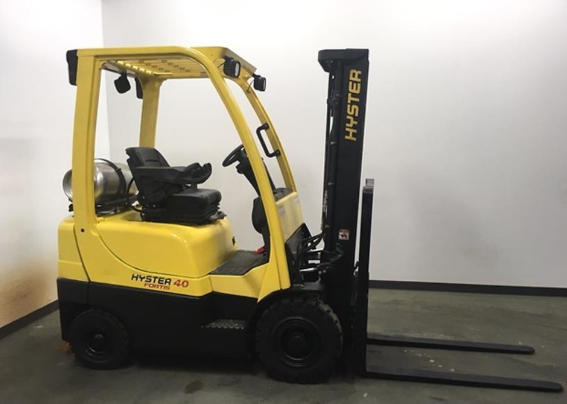 Hyster Forklifts H40FTS Short Wheel Base Pneumatic Tire 4000lb Propane Forklift 2014
